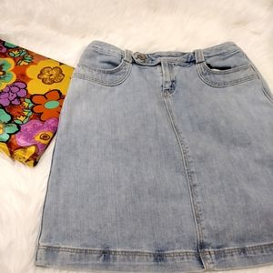 Vintage Gap light wash Jean denim skirt